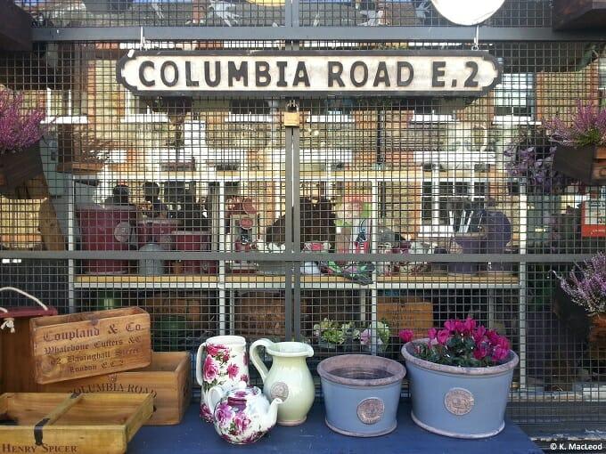 Columbia Road E2 Sign