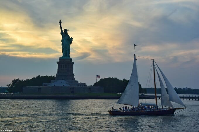 Yacht cruise at the Statue of Liberty