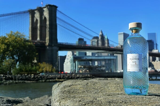 Isle of Harris Gin in front of the Brooklyn Bridge
