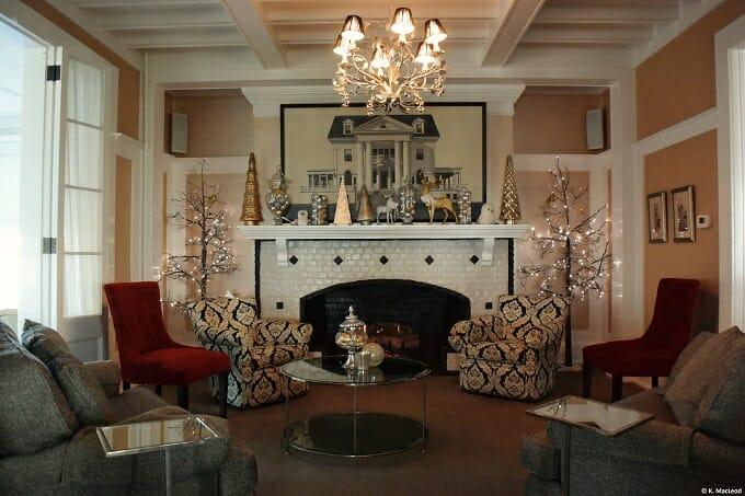 Peter Shields Inn Lounge