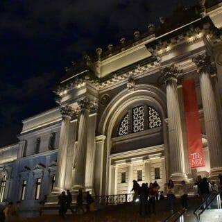 Met Museum at night