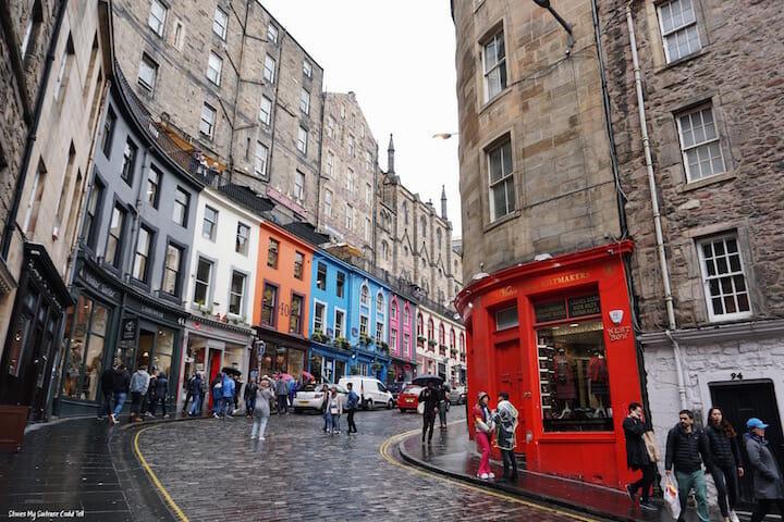 Victoria Street on a day trip to Edinburgh